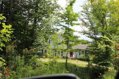 Geauga County Single Family Home For Sale: 7609 Apple Blossom Ln