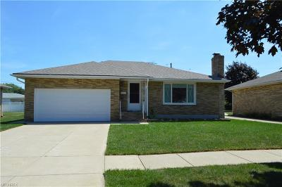 Cuyahoga County Single Family Home For Sale: 4823 Forest Edge Dr