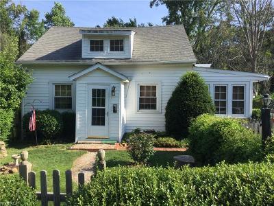 Kirtland Single Family Home For Sale: 8051 Charlesderry Rd