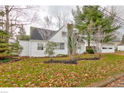 Mentor Single Family Home For Sale: 4956 Belle Meadow Rd
