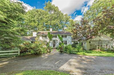 Gates Mills Single Family Home For Sale: 1810 County Line Rd