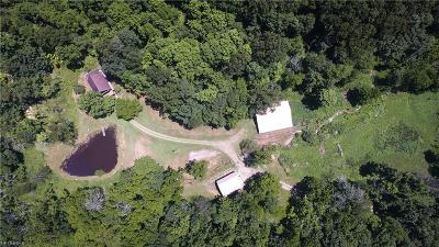 Guernsey County Single Family Home For Sale: 65272 Wolfs Den Rd