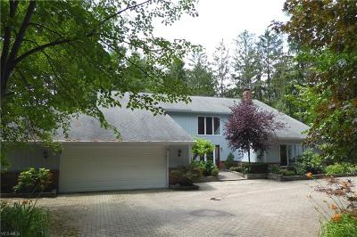 Chesterland Single Family Home For Sale: 7554 White Pine Dr