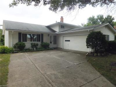 Parma Heights Single Family Home For Sale: 6991 Tobik Trl