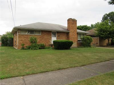 Parma Heights Single Family Home For Sale: 6299 Anita Dr