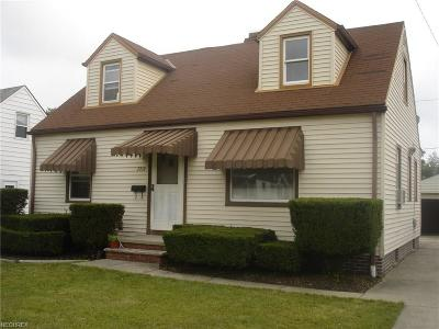 Parma Single Family Home For Sale: 3710 Woodrow Ave