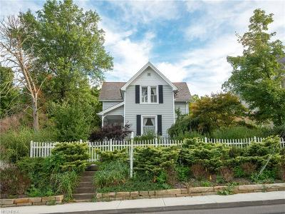 Chagrin Falls Single Family Home For Sale: 249 Bell St