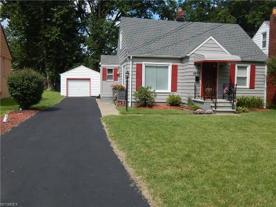 North Olmsted Single Family Home For Sale: 4462 Selhurst Rd