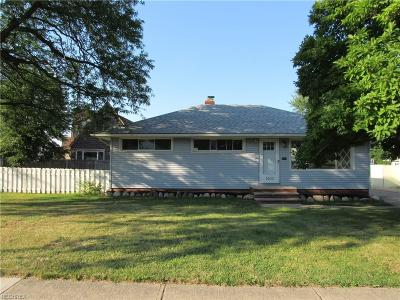 Cleveland Single Family Home For Sale: 1400 West Schaaf Rd