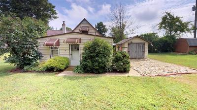 Conneaut Single Family Home For Sale: 54 Harrington Point
