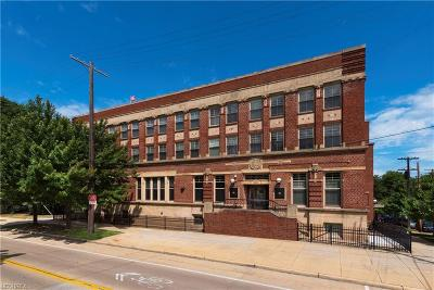 Cleveland Condo/Townhouse For Sale: 3200 Franklin Blvd #112