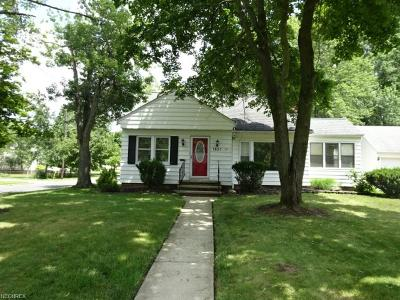 Lyndhurst Single Family Home For Sale: 1651 Sunview Rd