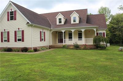 Geauga County Single Family Home For Sale: 10150 Charlton Ln