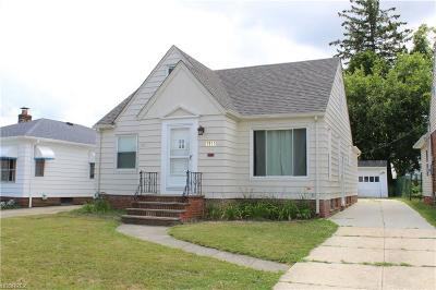 Parma Single Family Home For Sale: 7917 Pinegrove Ave