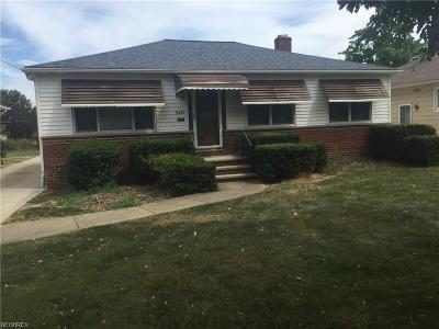 Parma Heights Single Family Home For Sale: 9422 Ackley Rd