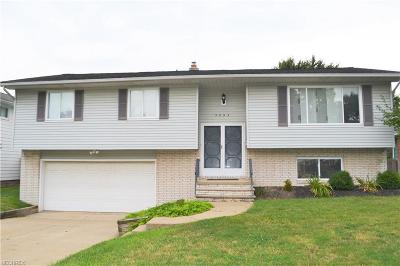 Mayfield Heights Single Family Home For Sale: 5897 Cantwell Dr