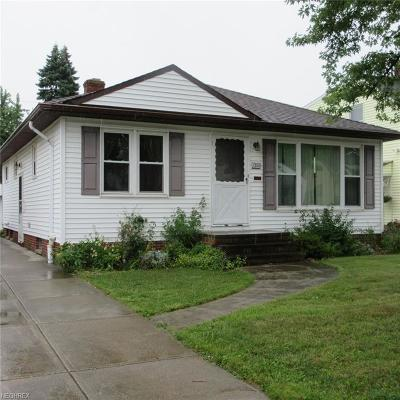 Parma Single Family Home For Sale: 1208 Hillsdale Rd