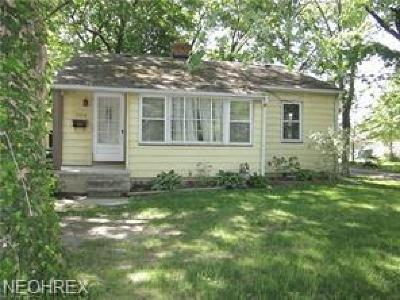 Olmsted Falls Single Family Home For Sale: 7474 Columbia Rd