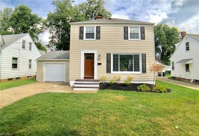 Lyndhurst Single Family Home For Sale: 5447 Summit Rd