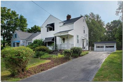 Lyndhurst Single Family Home For Sale: 1619 Sunview Rd