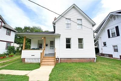 Willoughby Single Family Home For Sale: 4569 Center St