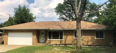 Rocky River Single Family Home For Sale: 2829 Carmen Dr