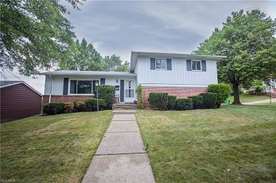 Garfield Heights Single Family Home For Sale: 8593 Care Dr