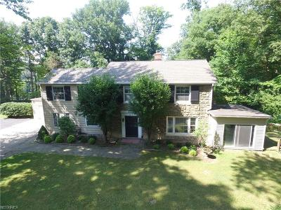 Willoughby Hills Single Family Home For Sale: 35651 Maplegrove Rd