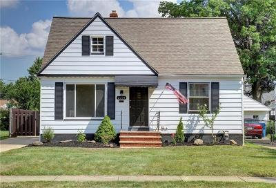 Cleveland Single Family Home For Sale: 2704 Russell Ave