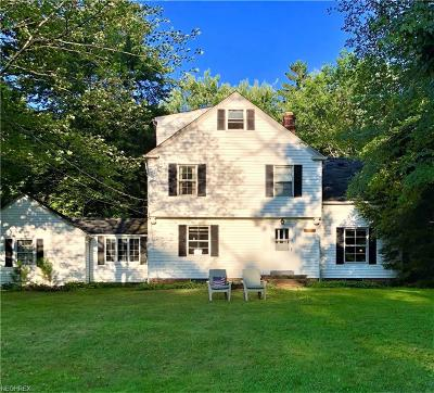 Chagrin Falls Single Family Home For Sale: 28300 Jackson Rd