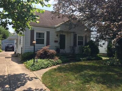 Lorain Single Family Home For Sale: 3430 Lincoln St