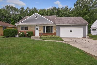 North Olmsted Single Family Home For Sale: 4438 West Ranchview Ave