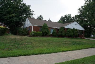 Euclid Single Family Home For Sale: 600 Willow Dr