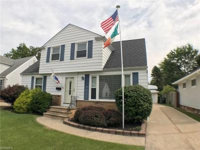 Wickliffe Single Family Home For Sale: 29558 Shaker Dr