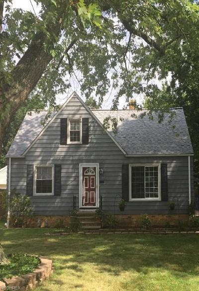 Parma Heights Single Family Home For Sale: 11512 Woodview Blvd