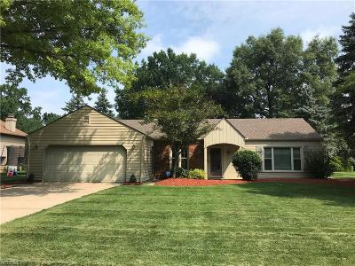 Avon Lake Single Family Home For Sale: 32664 Mariners Ct