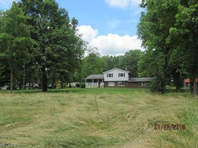 Single Family Home For Sale: 21754 North Benton West Rd