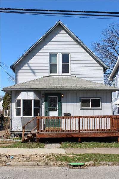 Cleveland Single Family Home For Sale: 2908 Searsdale Ave