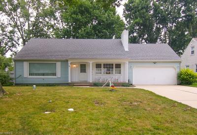 Lorain County Single Family Home For Sale: 501 North Woodhill Dr