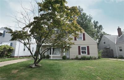 Parma Heights Single Family Home For Sale: 6743 Greenleaf Ave
