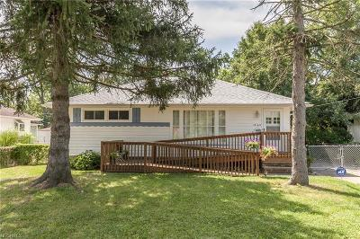 Parma Single Family Home For Sale: 12169 West Pleasant Valley Rd