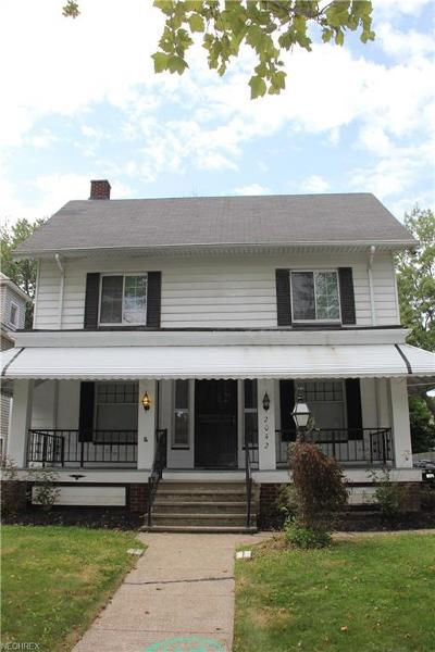 Cleveland Single Family Home For Sale: 2042 West Blvd