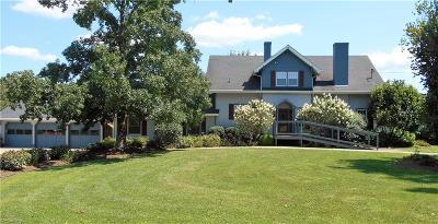 Little Hocking Single Family Home For Sale: 287 Holdren Rd