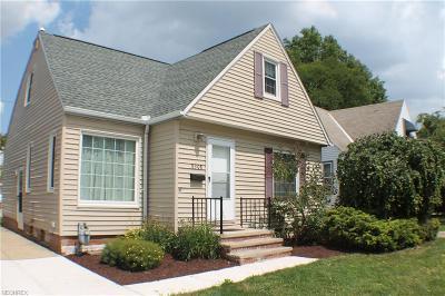 Parma Single Family Home For Sale: 8308 Kenton Ave