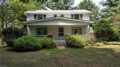 Conneaut Single Family Home For Sale: 242 West Main Rd