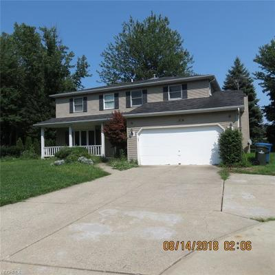 North Olmsted Single Family Home For Sale: 3671 Columbia Rd