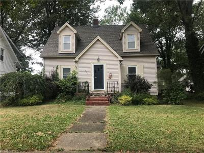 Painesville Single Family Home For Sale: 212 Ardmore Blvd
