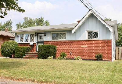 Brook Park Single Family Home For Sale: 15936 Meigs Blvd