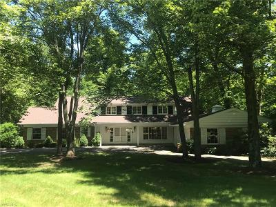 Chagrin Falls Single Family Home For Sale: 105 Hunting Trl
