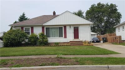 Wickliffe Single Family Home For Sale: 31550 Ridgeview Dr